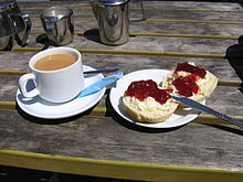 220px-Cornish_cream_tea_2