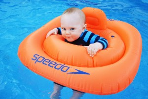 baby_in_the_swim_seat_204287